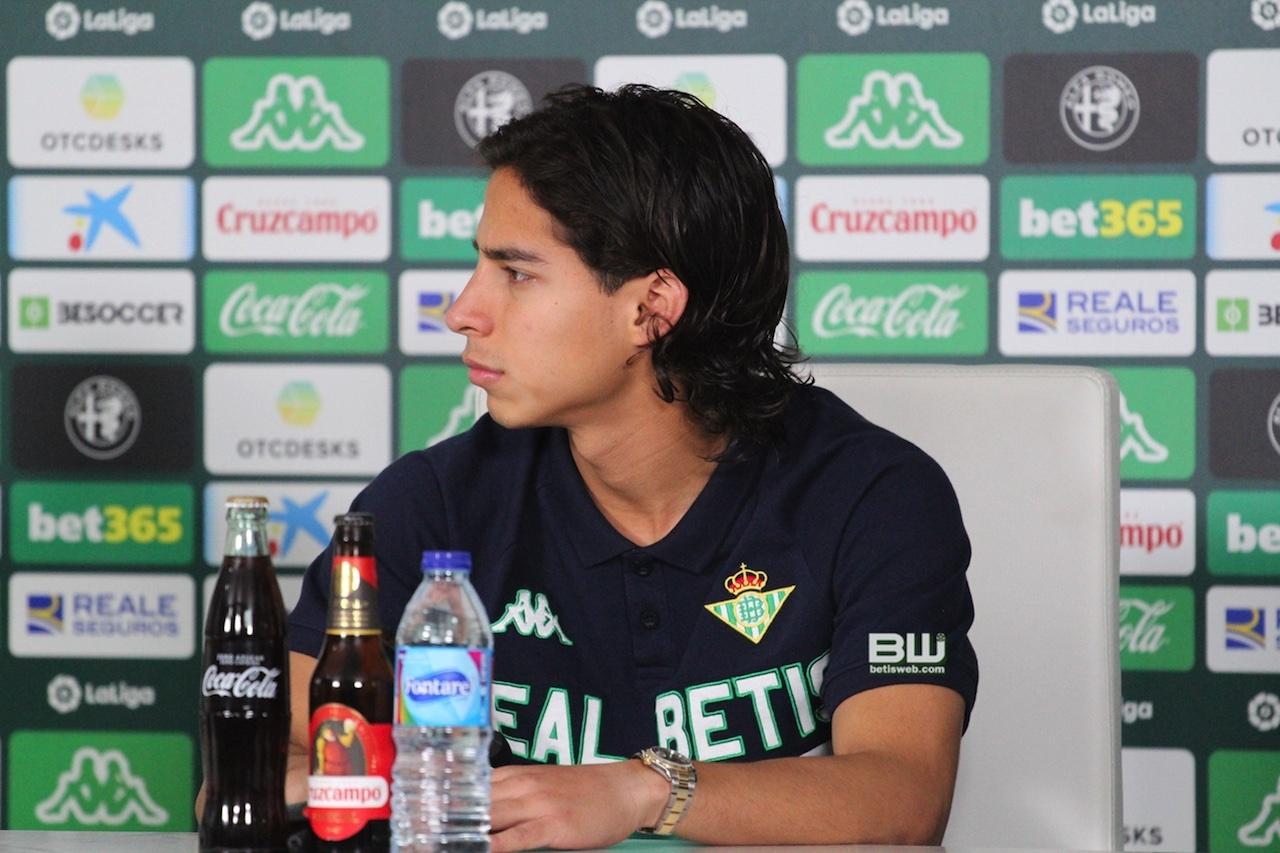 presentacion Diego Lainez 34