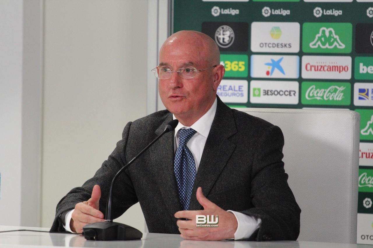 presentacion Diego Lainez 42