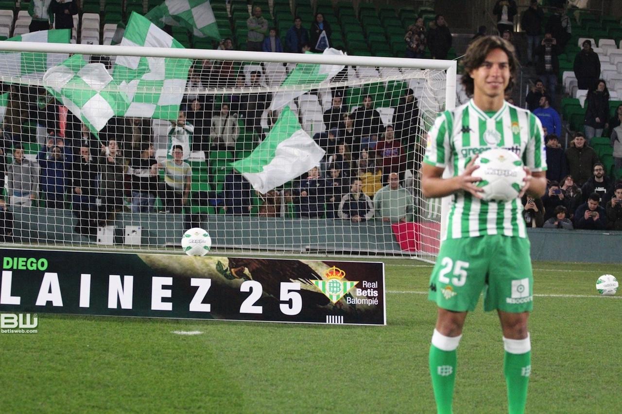 presentacion Diego Lainez 82