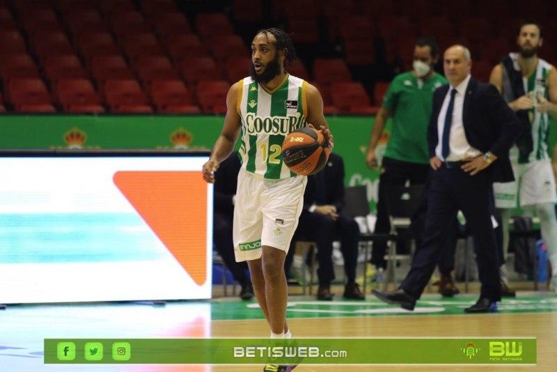 J9-–-Coosur-Real-Betis-Guipuzcoa-Basket2