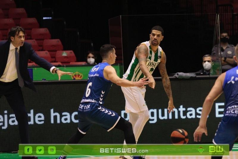 J9-–-Coosur-Real-Betis-Guipuzcoa-Basket9