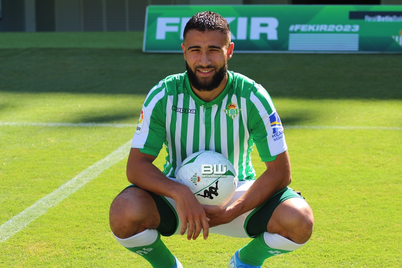 Presentación Nabil Fekir (132)