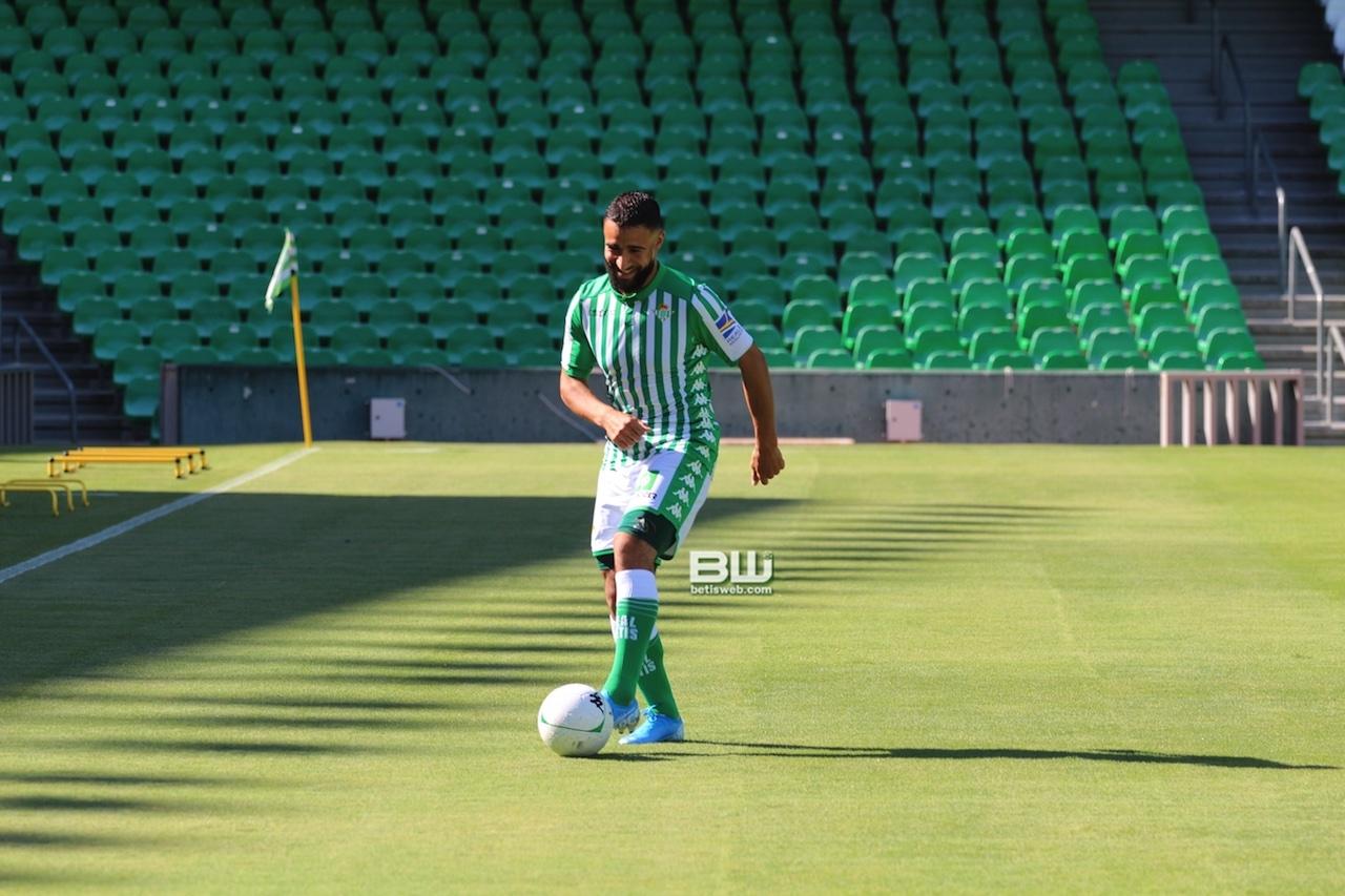 Presentación Nabil Fekir (154)