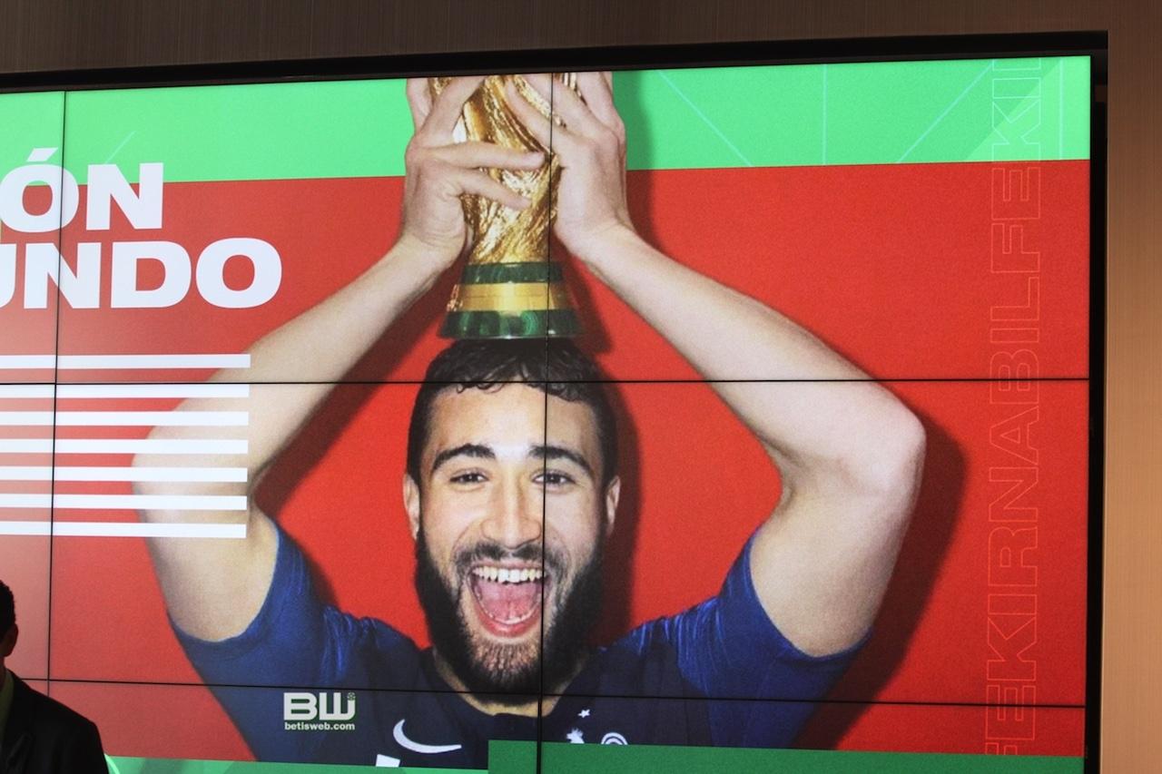 Presentación Nabil Fekir (35)