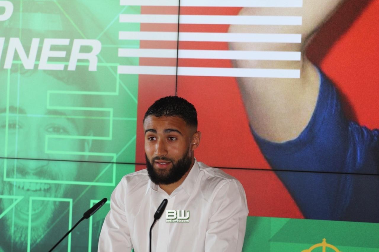 Presentación Nabil Fekir (41)
