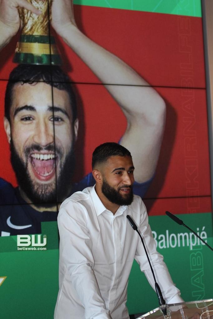 Presentación Nabil Fekir (50)