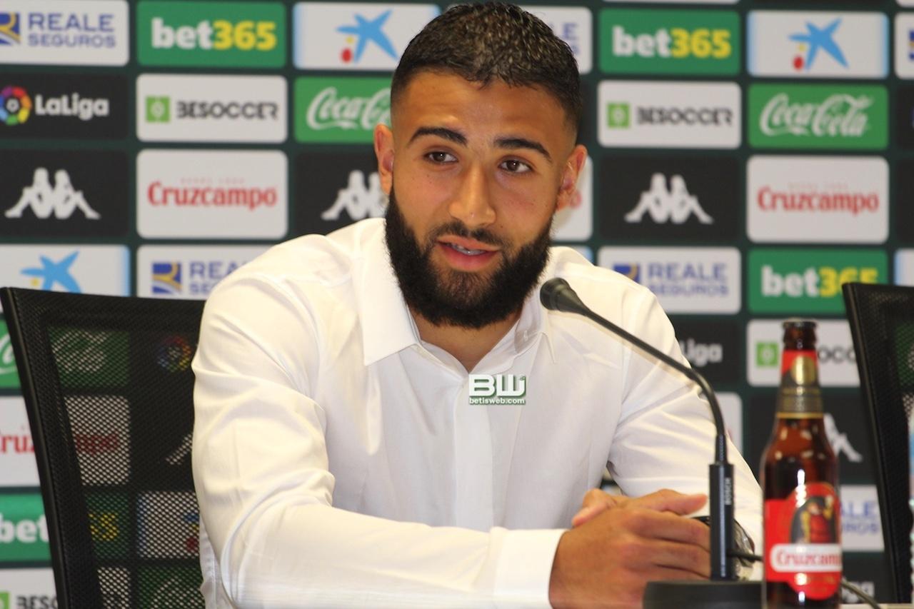 Presentación Nabil Fekir (59)