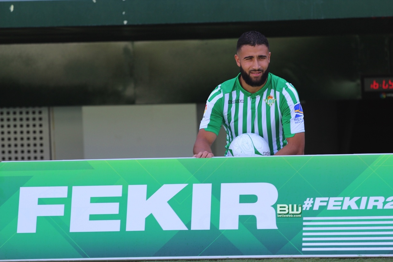 Presentación Nabil Fekir (98)