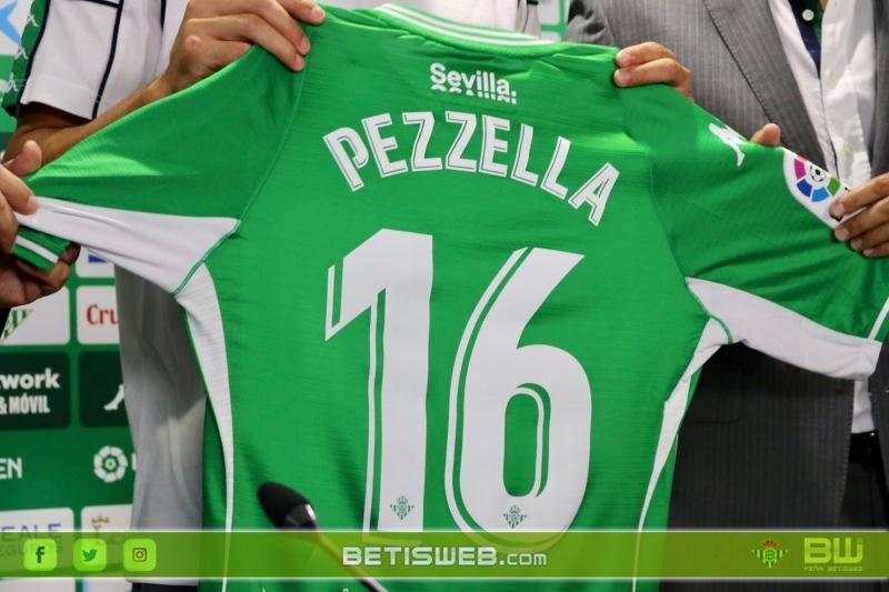 Presentacion-de-Pezzella-12