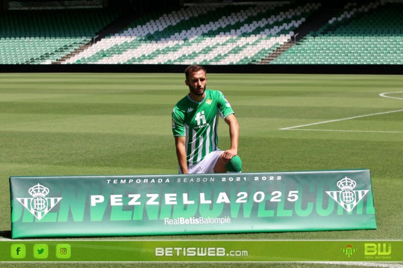 Presentacion-de-Pezzella-8